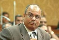 زعيم الأغلبية فور وصولة مكتبة بالبرلمان .. قرار العودة انتصار لـ 30 مليون مصري
