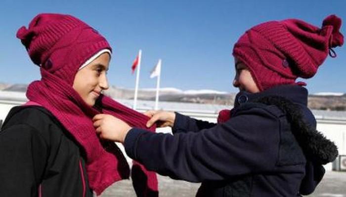 """""""وشاح الأخوّة"""".. حملة إغاثية تركية من أجل شتاء دافئ للسوريين"""
