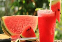 """""""عصير البطيخ"""".. فوائد مذهلة"""