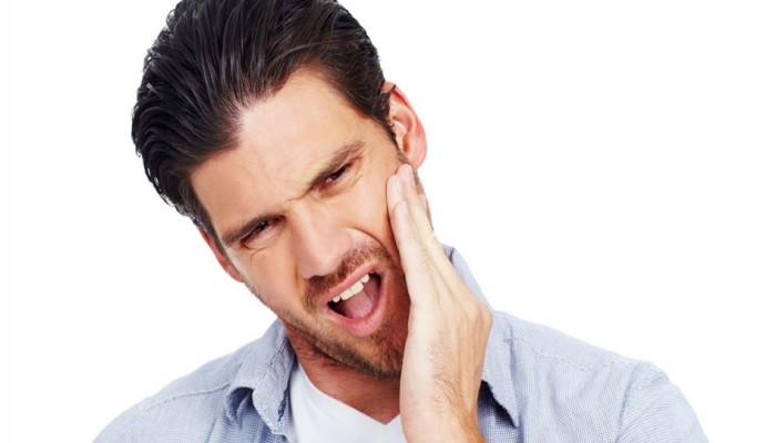 5 عادات شائعة تؤدي لتسوس الأسنان