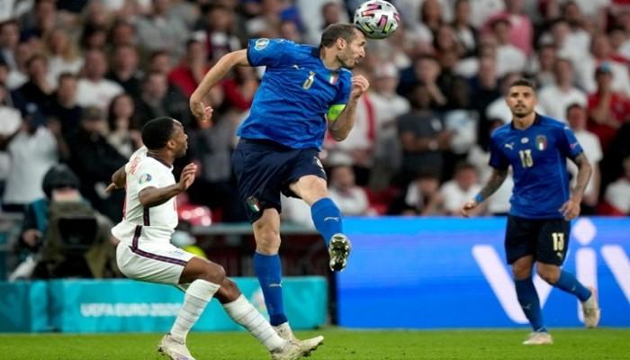 هجمة عنصرية ضد لاعبين سود بإنجلترا بعد خسارة يورو 2020