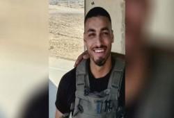 والد الجندي المصاب على حدود غزة لبينيت: أنت جبان وضعيف