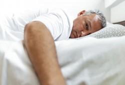 وصفة قشر الموز.. حيل غريبة تساعدك على الوقوع في النوم سريعًا