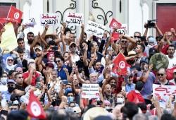 رويترز: سعيّد يفقد أنصاره وخزينة الدولة شبه خاوية