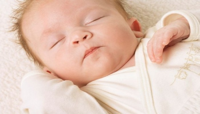 أخطاء يرتكبها الآباء أثناء نوم الطفل