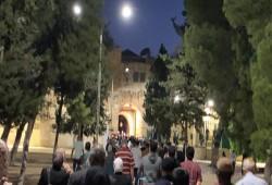رغم قيود الاحتلال.. الآلاف يؤدون صلاة الفجر بالأقصى