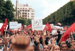 استطلاع: 51% من التونسيين يرفضون انقلاب قيس سعيد